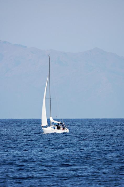 081812_10_sailboat02