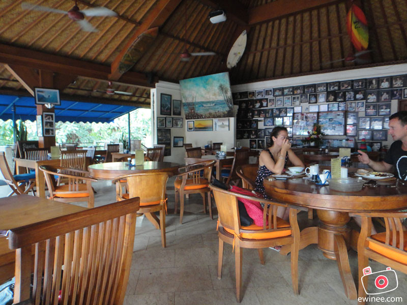 BALCONY-RESTAURANT-AND-BAR-BENESARI-KUTA-BALI-inside