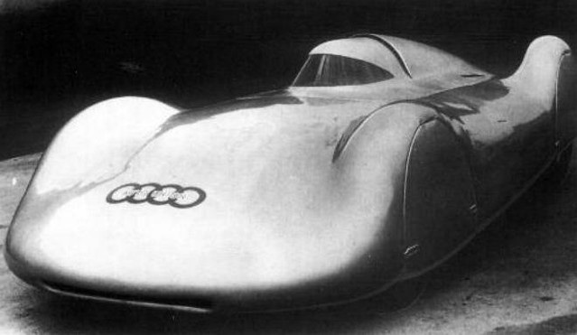 1937 Auto Union Typ C Stromlinie enclosed