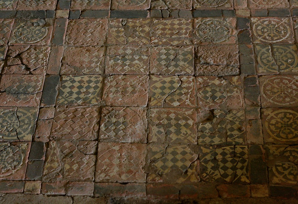 Thirteenth century floor tiles at cleeve abbey and for Abbey floor