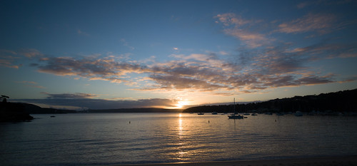 Balmoral beach by Geoff Heaton