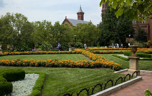 Enis Haupt Garden, Smithsonian Institution (by: OLIN, courtesy of ASLA)