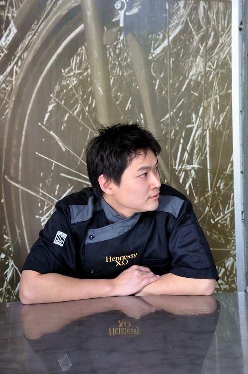 1 Chef Michael Han