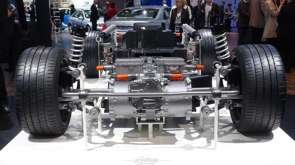 8030423602 73504094b8 b eGarage Paris Motor Show Naked Chassis