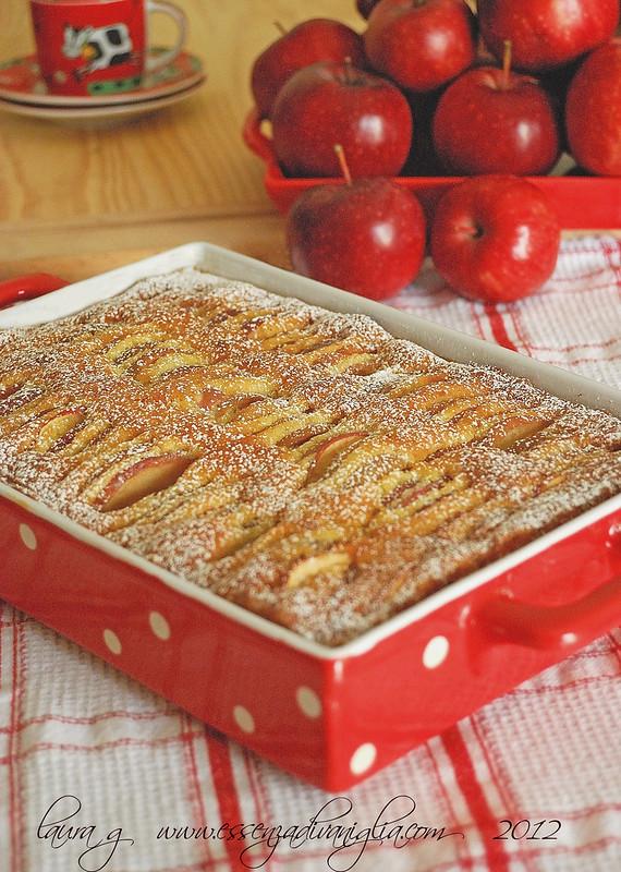 Moelleux di mele al profumo di mandorle e vaniglia