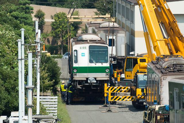 東京メトロ千代田線6000系 6105F 6105号車搬出