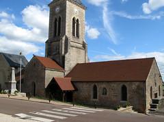 Sombernon (église et monument-aux-morts) 6305