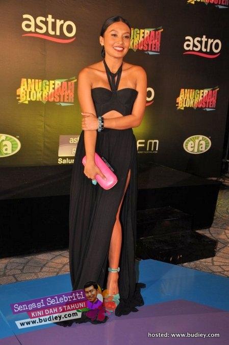 Nabila Huda Anugerah Blockbuster 2011
