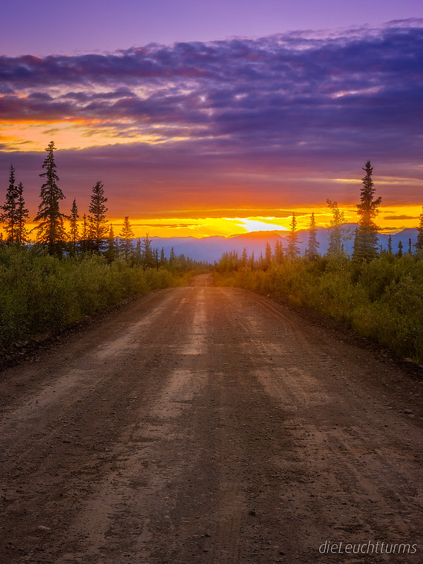 Sunset above Nabesna Road