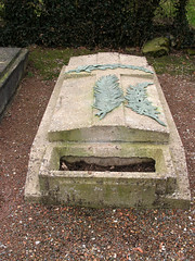 Acheux-en-Amiénois (cimetière) tombe d'Edmée Jarlaud 1