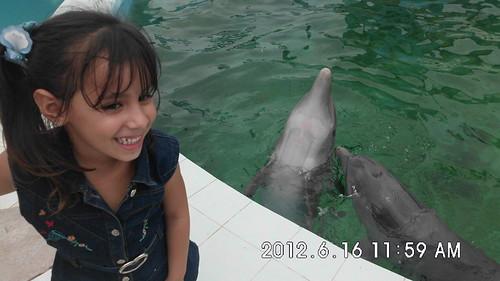 Lorena y los delfines by Odadeabril
