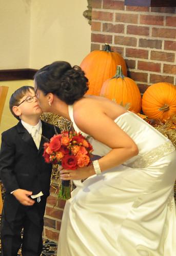 Kim Wedding Kissing jake