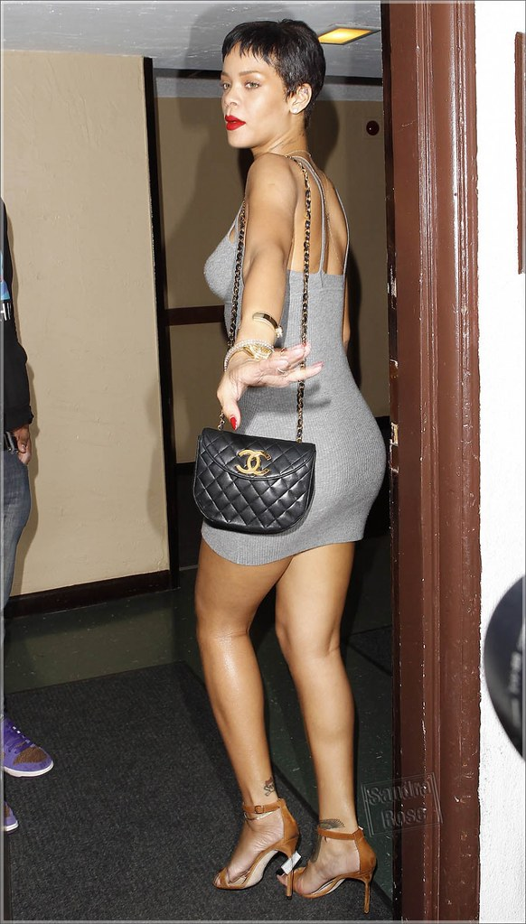 Rihanna-grey-dress-SPL-853x1500