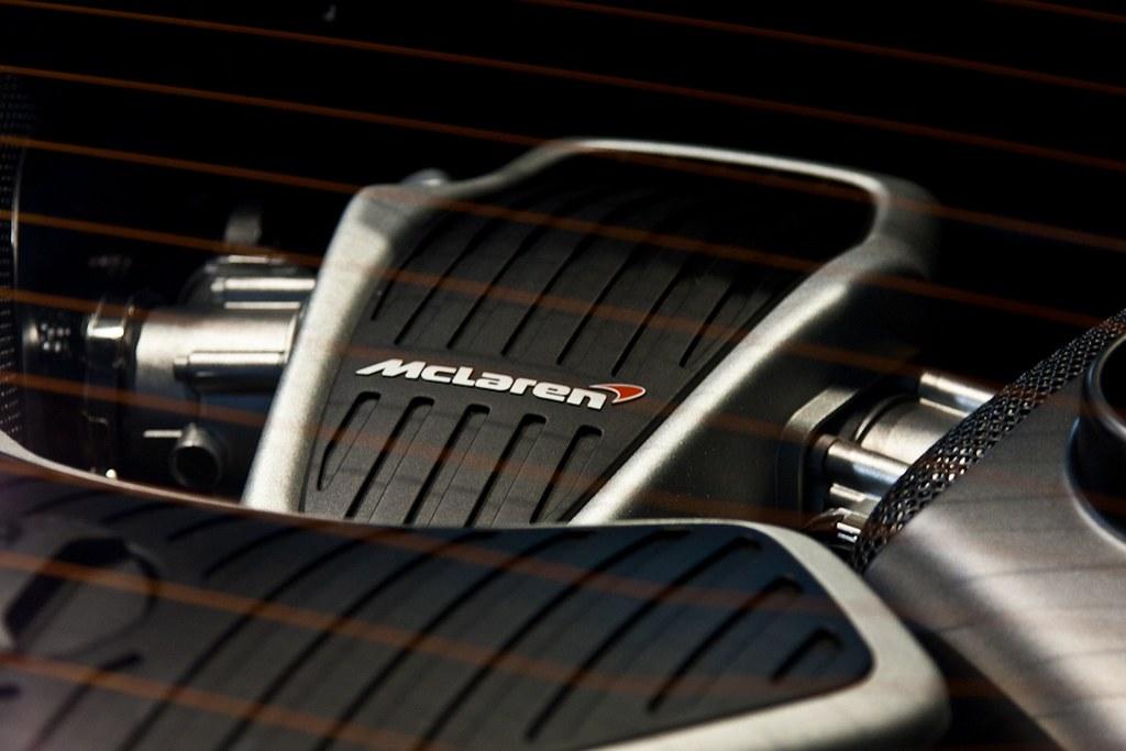 McLaren MP4-12C Engine