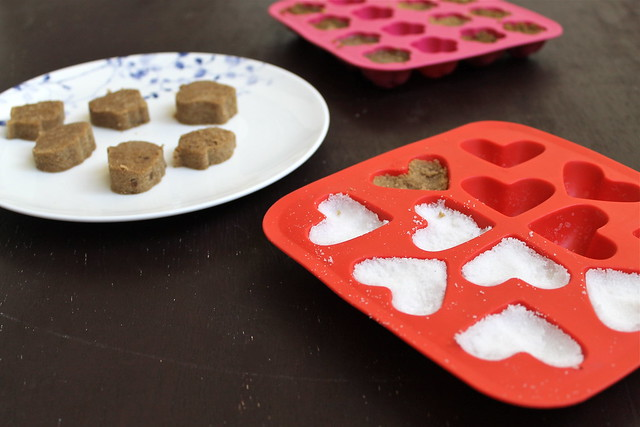 molding sugar in IKEA ice cube trays