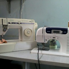 sewing(1.0), sewing machine(1.0), art(1.0), home appliance(1.0),