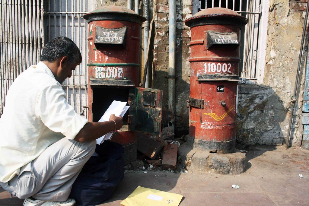 Photo Essay – Post Man at Work, Daryaganj