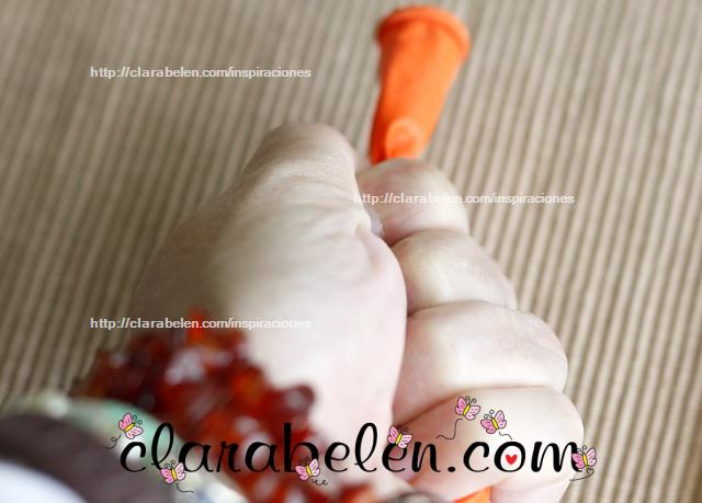Conejo con tapones y globos