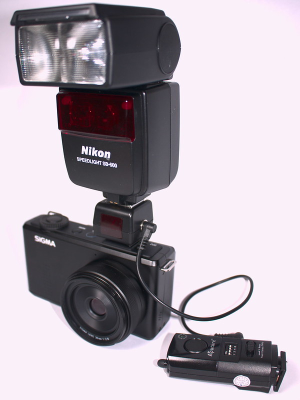 Sigma DP2m with Nikon SB-600