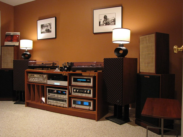 Vintage stereo setup 3 vintage rigs in one space for Classic house songs 2000