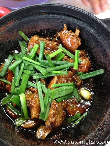 Claypot Sesame Chicken, Seng Kee Black Chicken Herbal Soup