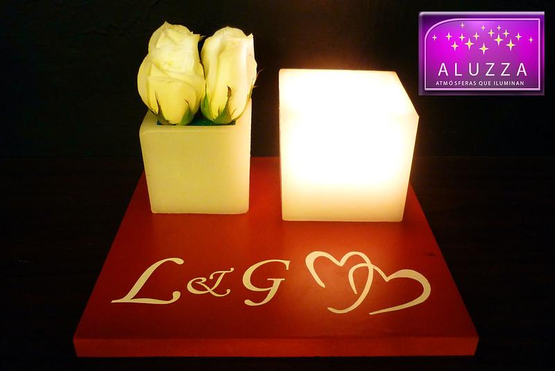 centro de mesa para boda con pantallas y flores aluzza