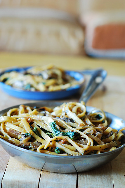 Creamy mushroom pasta sauce recipe with caramelized onions and spinach, shiitake