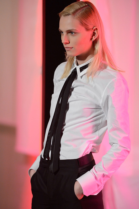 Andrej Pejic3337_FW13 Paris Jean Paul Gaultier(apparel-web.com)