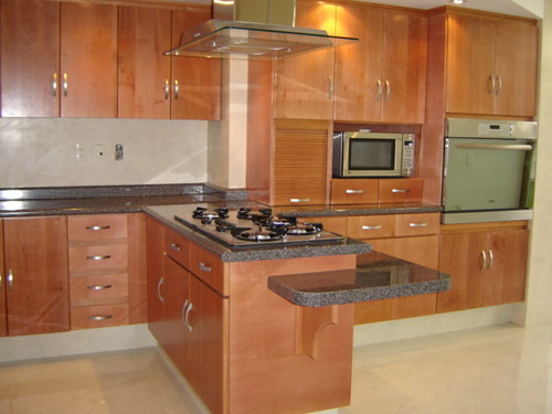 Cocinas integrales de madera de cedro imagui for Modelos de cocinas integrales modernas de madera