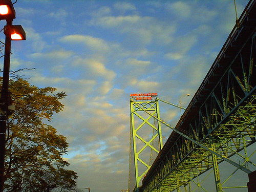 ambassador bridge, october morning