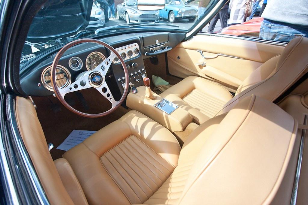 Lambo 350GT Interior