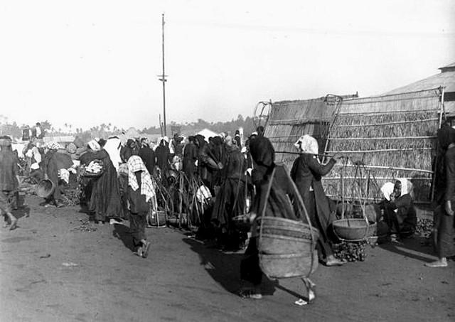 VIETNAM 1920-30, Photo by Charles Peyrin (39) - Bến đò chợ Thủ Dầu Một
