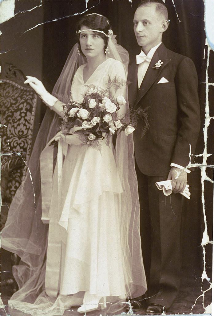 007---Wedding portrait of Aladar Barber and Klari Perl in Budapest