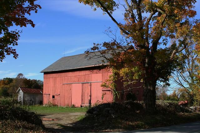 Autumn Barn in Northern NJ