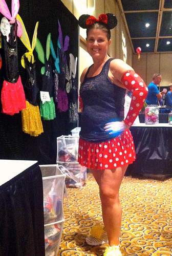 Minnie Mouse Running Costume via Team Sparkle