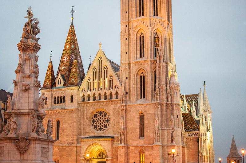 El Bastión de los Pescadores y la iglesia de Matías en Budapest
