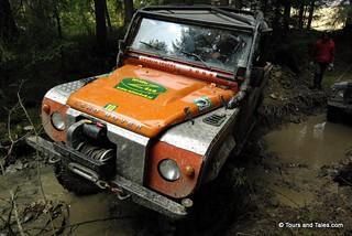 4x4 mud road