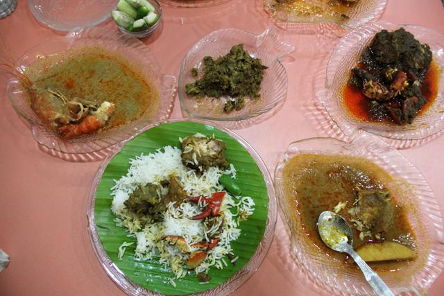 Bengali food at bhojohori manna restaurant in kolkata bengali food forumfinder Images