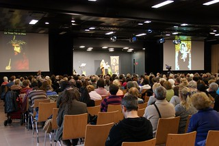 900 people came to hear Vassula speak in Nyon