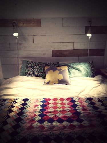New headboard. Love it with my pallet platform bed.
