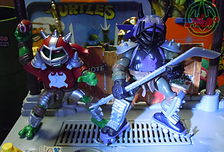 """MUTANT EXTREME SEWER SPORTS"" TEENAGE MUTANT NINJA TURTLES :: M.E.S.S. RAPH x / ..with M.E.S.S. DON (( 2006 ))"