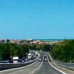 #autostrada #streets #ontheroad #sea #sky #travelling #travel #viaggio #subhanAllah #ig_worldclub #ig_photooftheday #picoftheday #ig_sharepoint #vacanze