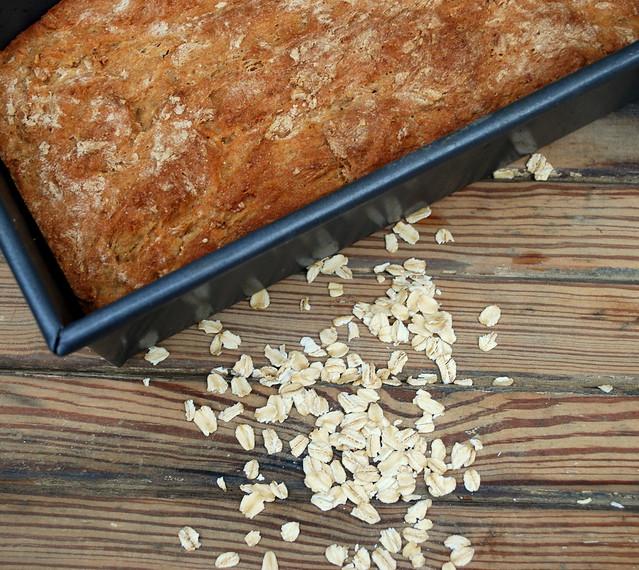 No Knead Oatmeal bread 1