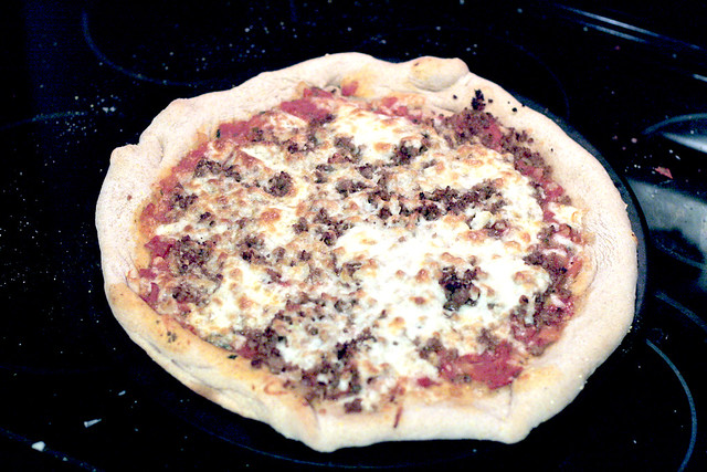 Homemade Pizza (Jen aka Hclappy's recipe)
