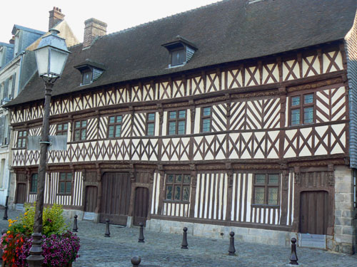 belle maison saint valery.jpg