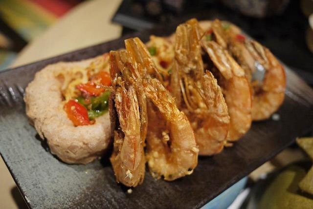 prawn makan kitchen doubletree by hilton