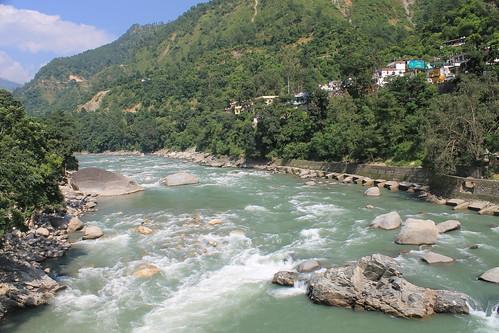 Crossing the Mandakini