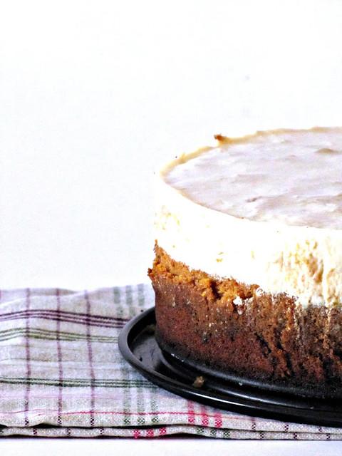 Torta di Carote ai Fiori di Cannella con frosting di Yogurt Maison al Limone
