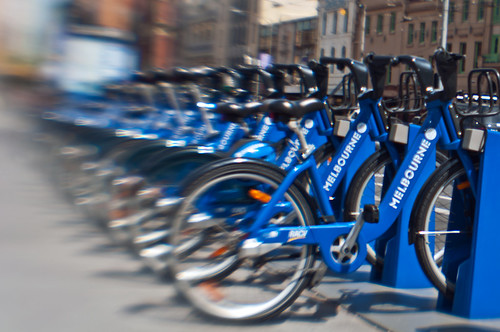 blue_bike_lensbaby
