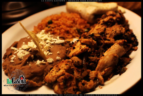 marinated chicken breast fajita with beans rice